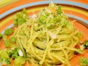 ricetta pasta al pesto di broccoli