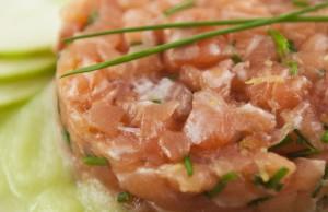 ricetta Tartare di salmone con zuppa fredda di sedano