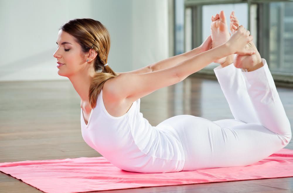 tonificarsi in menopausa posizione arco