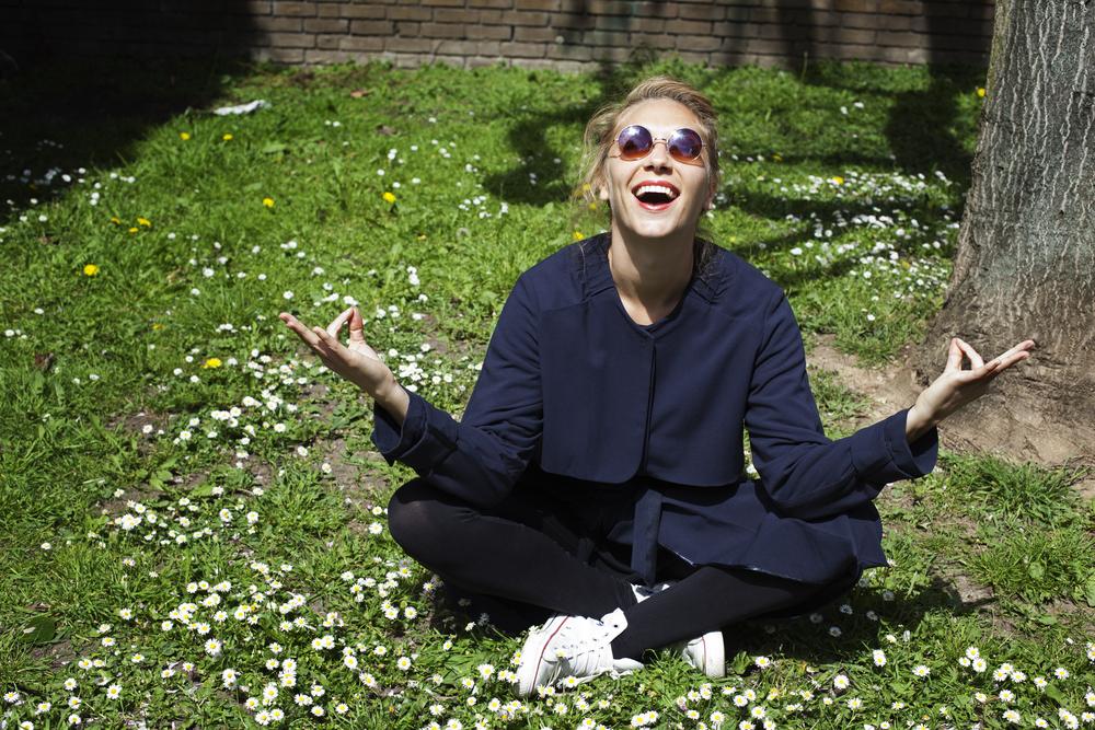 lo yoga della risata per stare meglio