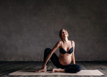 yoga in gravidanza: come fare e quale posizioni fare
