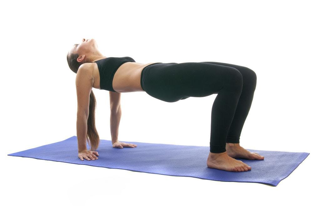 yoga-per-tonificare-in-menopausa