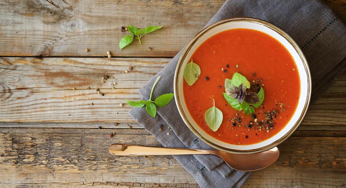 gazpacho con spiedini di melanzane, una ricetta originale e leggera