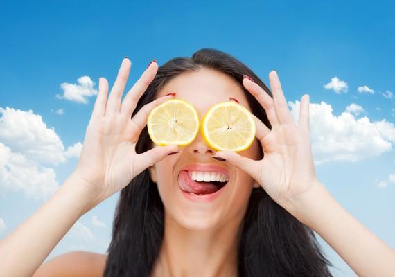la verità su acqua e limone, mantiene buona la salute