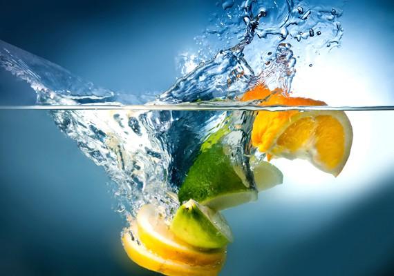 la verità su acqua e limone, rafforza il sistema immunitario