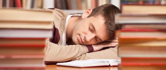 dormire di più fa andare meglio a scuola