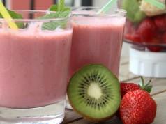 ricetta frullato di fragole e kiwi