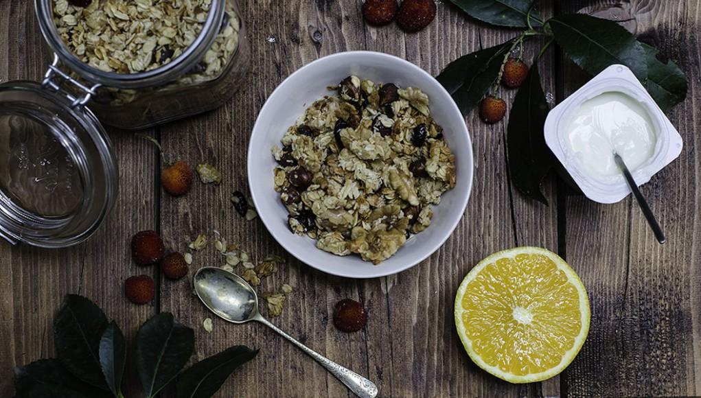 Prova la granola croccante come snack sano quando studi