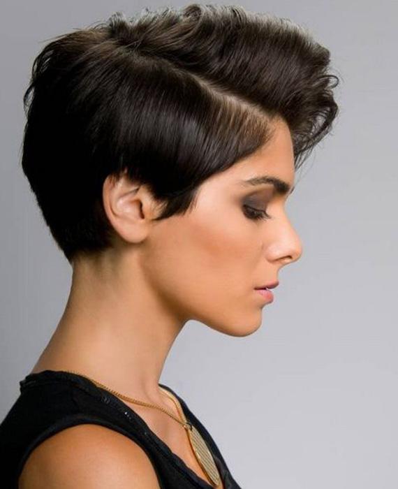 capelli corti cotonati rasatura