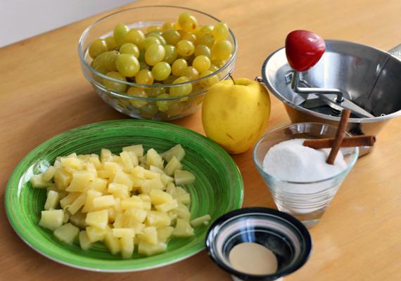ingredienti per preparare la marmellata di uva e ananas