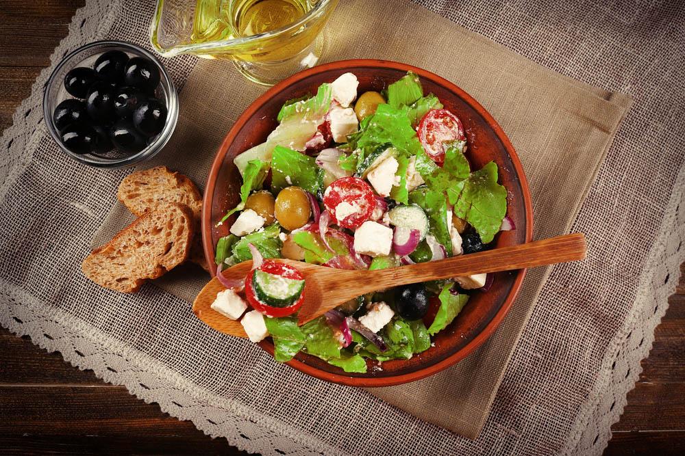 Le proprietà benefiche dell'insalata, alleata della salute e della dieta