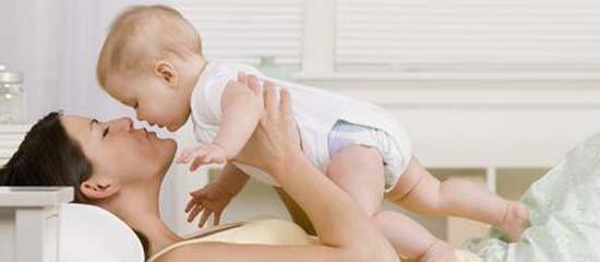 paragone tra Italia e Svezia sulla maternità