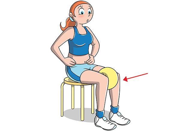 Esercizio con palla per rassodare interno coscia