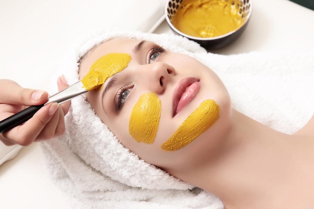 maschera di bellezza con il kiwi giallo