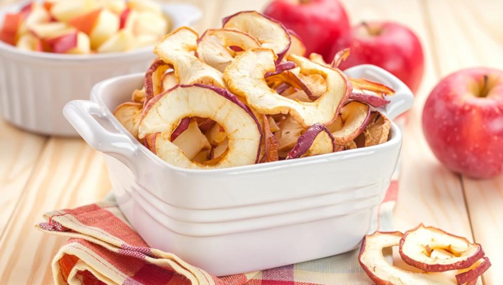 Le mele essiccate, snack sano quando studi