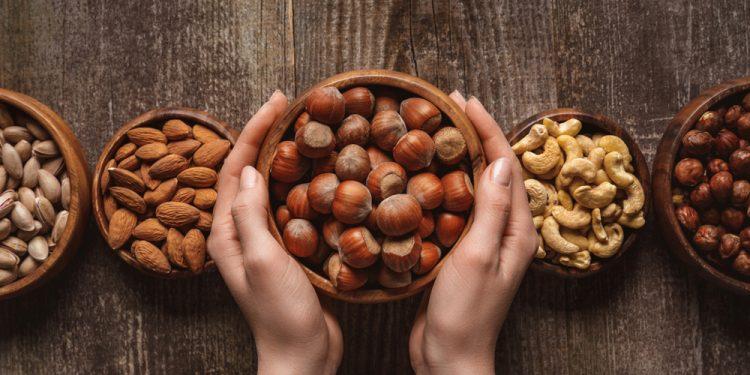 nocciole: cosa sono, benefici per la salute e ricette