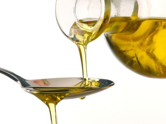 olio-extravergine-oliva-calorie-nel-piatto