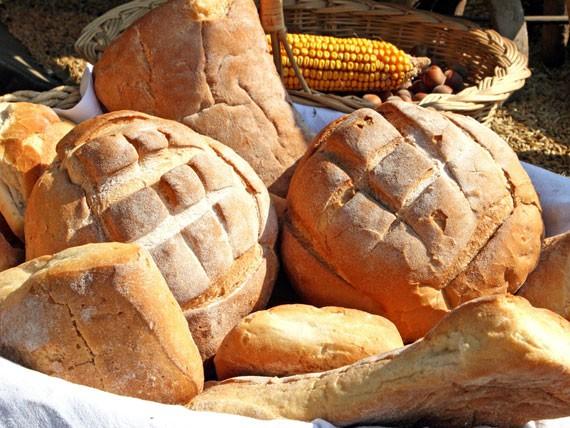 pane-calorie-nel-piatto