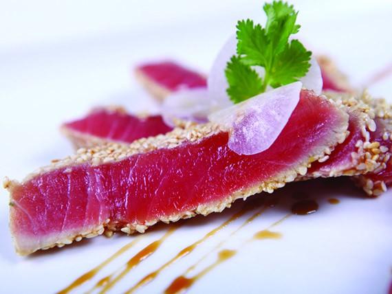 i cibi che aiutano a combattere il colesterolo pesce