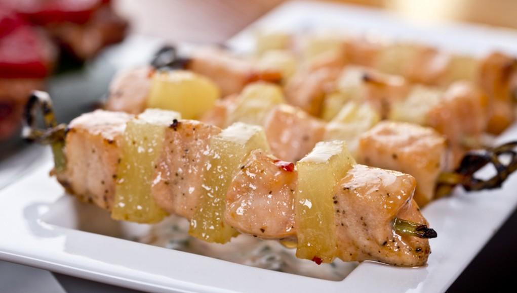 ricetta spiedini di salmone e ananas