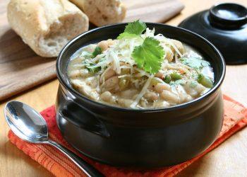 zuppa di cavolo verza, patate, fagioli cannellini