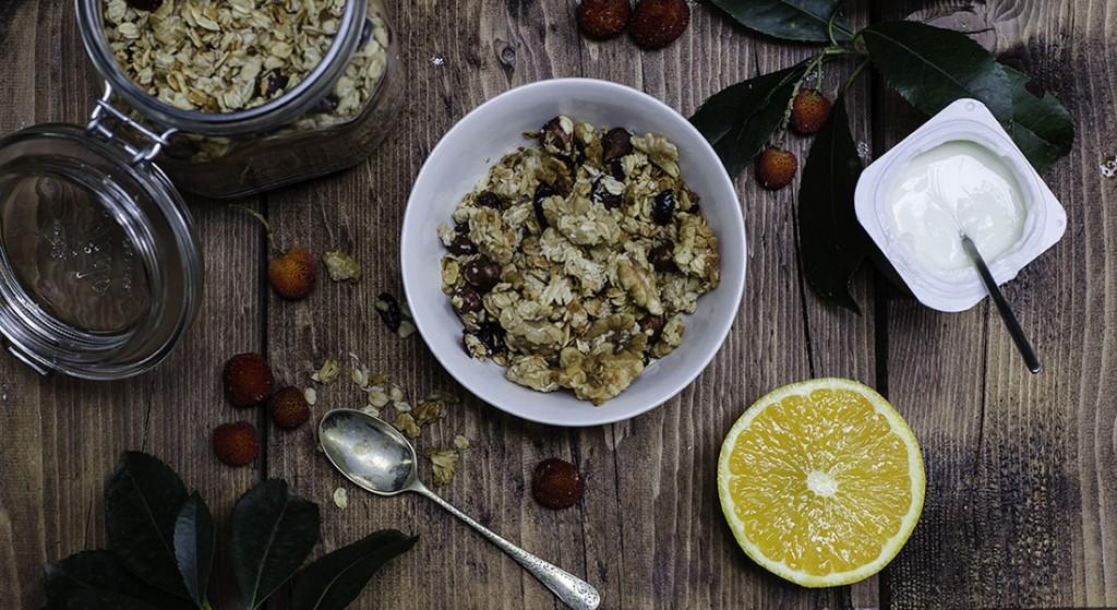 Granola croccante con frutta