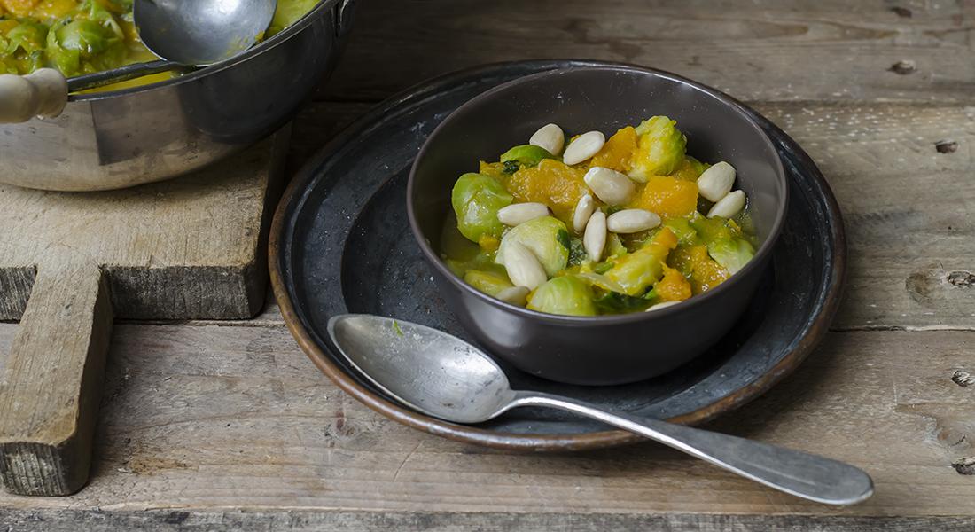 minestre e zuppe: zuppa di zucca, cavolini di bruxelles e mandorle
