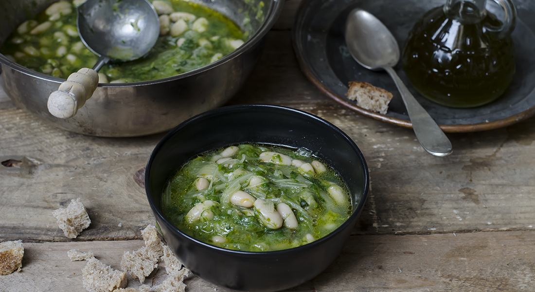 la zuppa di scarola e fagioli