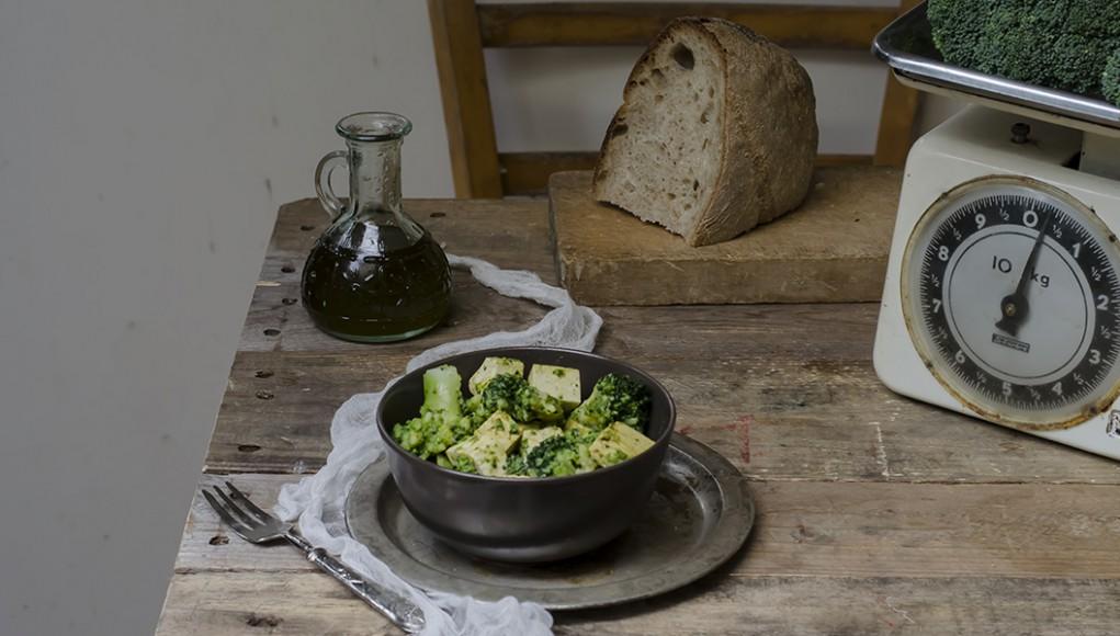 la ricetta di broccoli e tofu al curry piccante