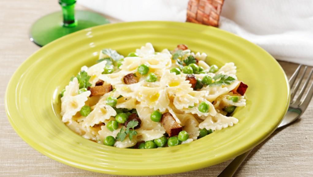 I legumi: ricetta farfalle con piselli e pomodori secchi
