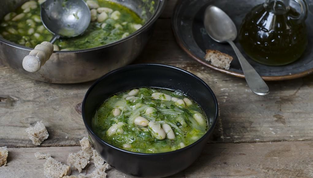 I legumi: ricetta zuppa fagioli e scarola