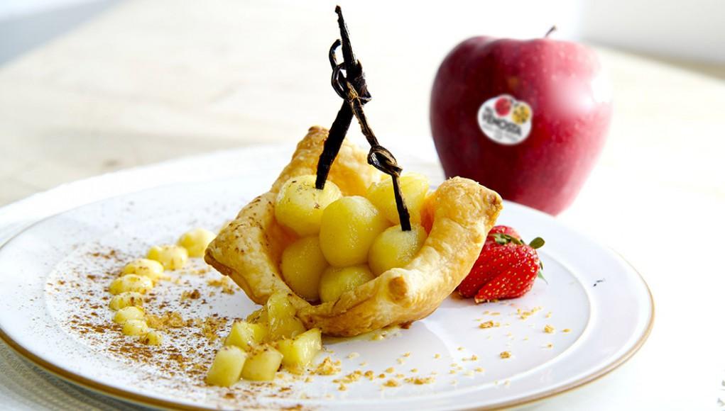 Cestini di pasta sfoglia con mele Red Delicious