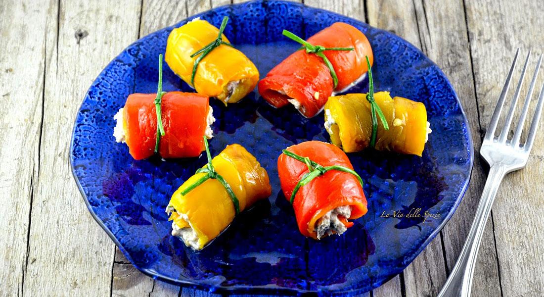 ricette con peperoni involtini di peperoni al tonno