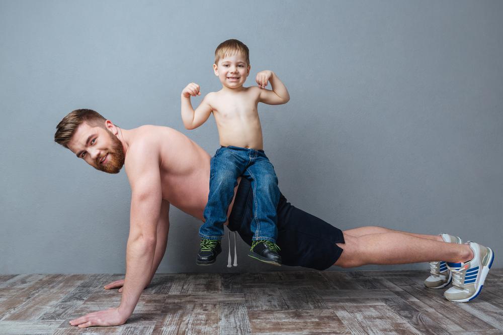 esercizi per pettorali: 4 modi per fare le flessioni