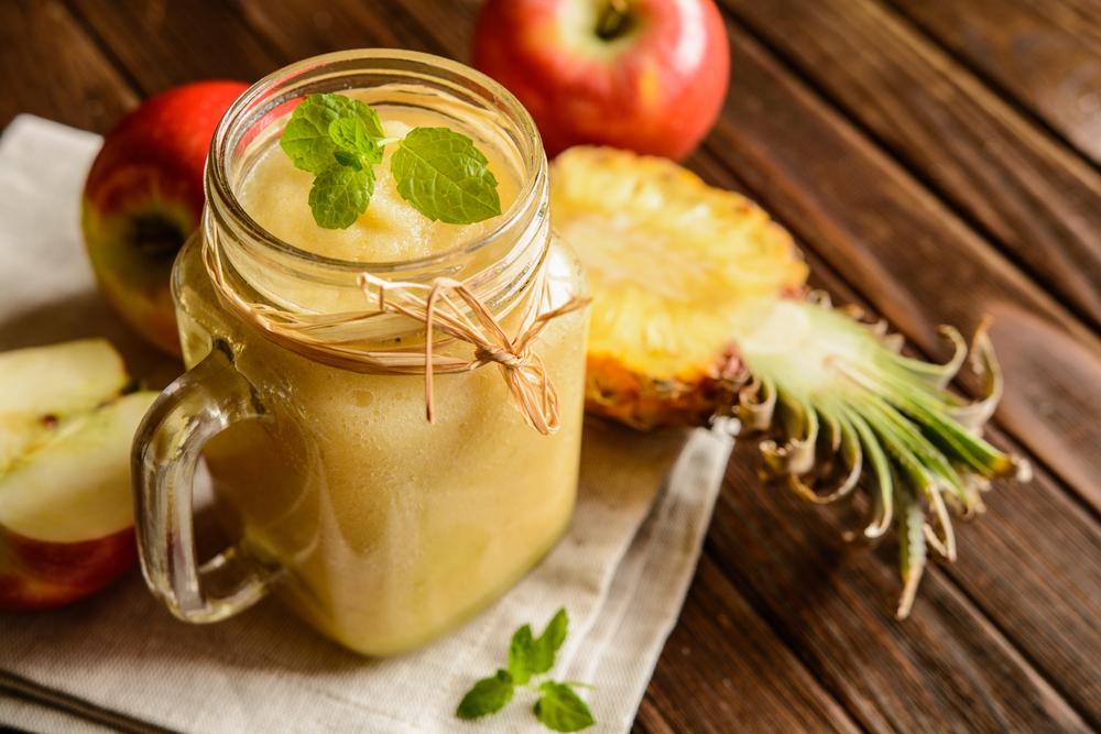 frullato di mele e ananas