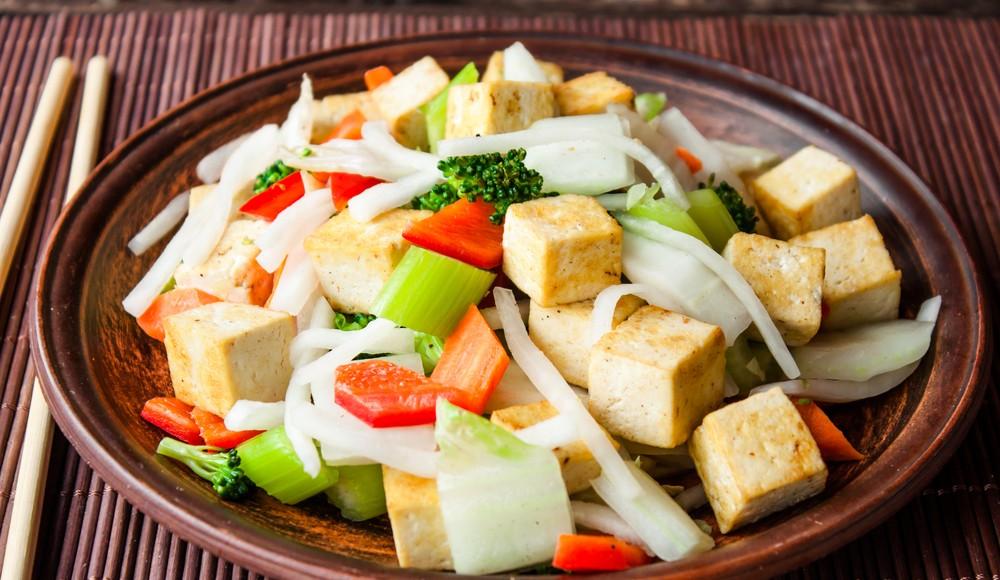 ricette zenzero: Tofu con verdure e zenzero