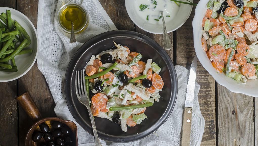 ricetta dell'insalata di pollo con salsa di yogurt