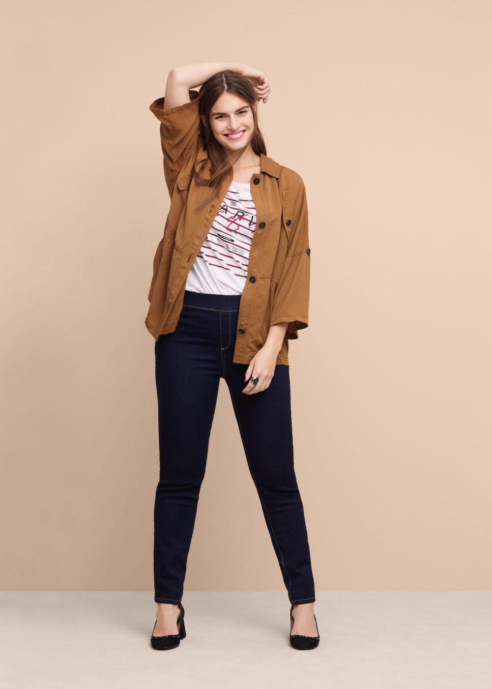 pantaloni vita alta per sembrare più alta