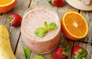 La ricetta del frullato di fragole, banane e arance