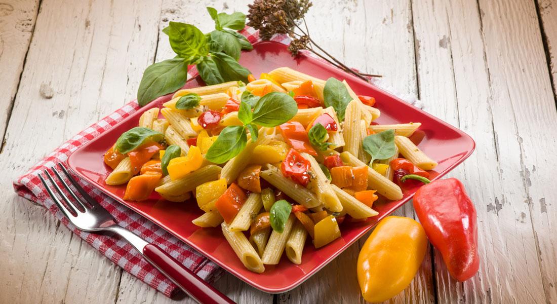 ricette con peperoni insalata di penne di kamut con tonno e peperoni