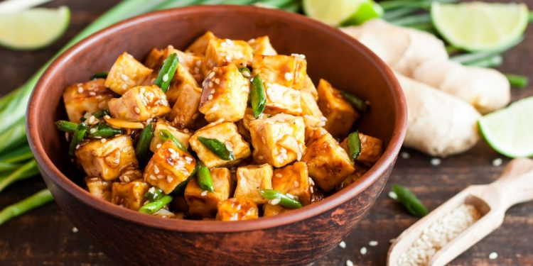 verdure saltate con tofu e zenzero