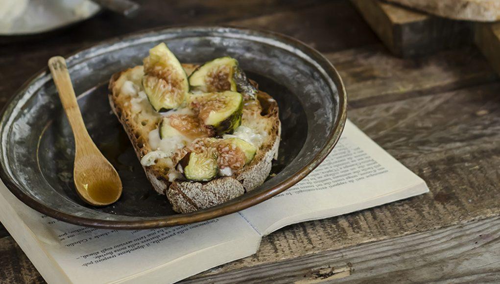 Ricetta della bruschetta con fichi e gorgonzola