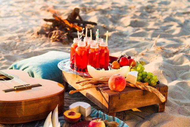 Ricette di ferragosto: idee light per il falò in spiaggia