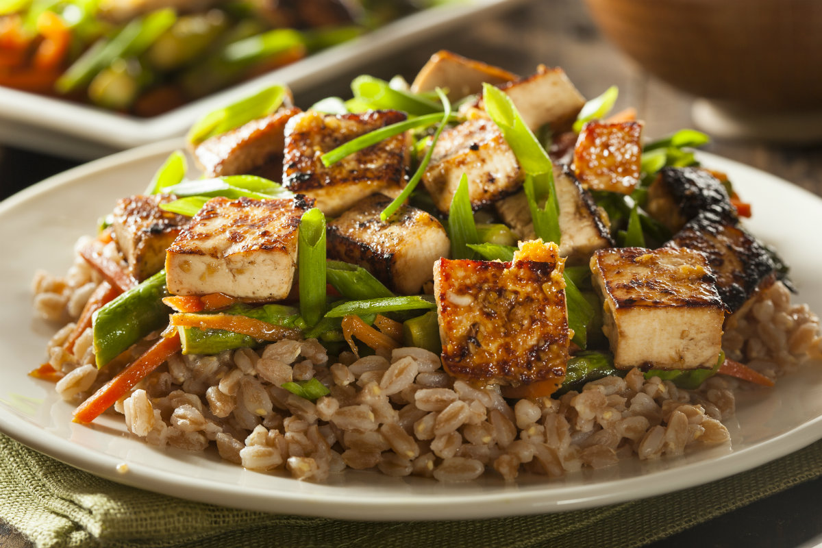 tofu con verdure e zenzero
