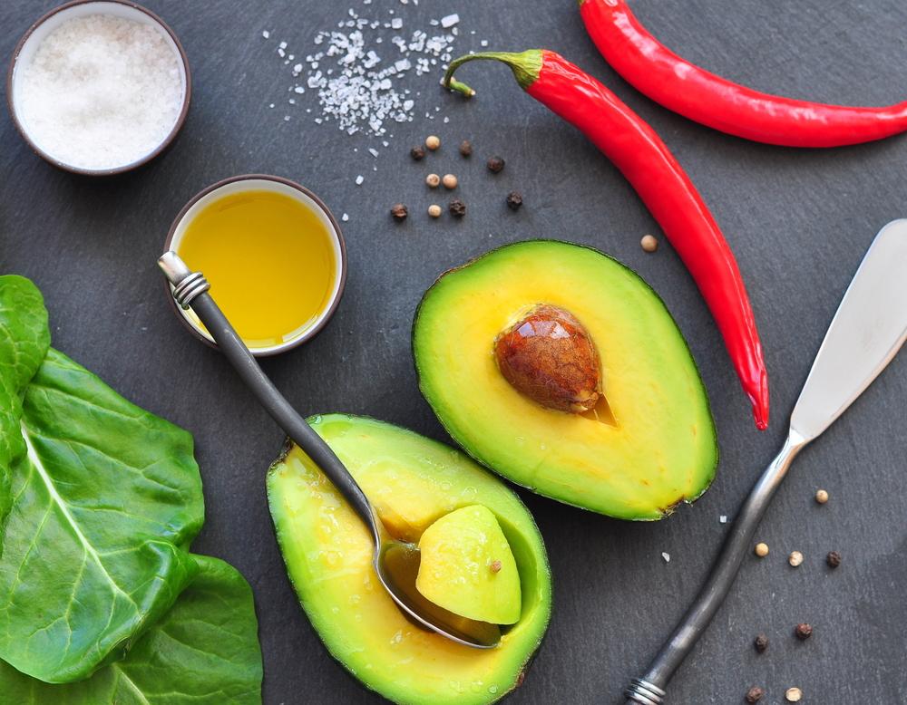 avocado contiene grassi buoni