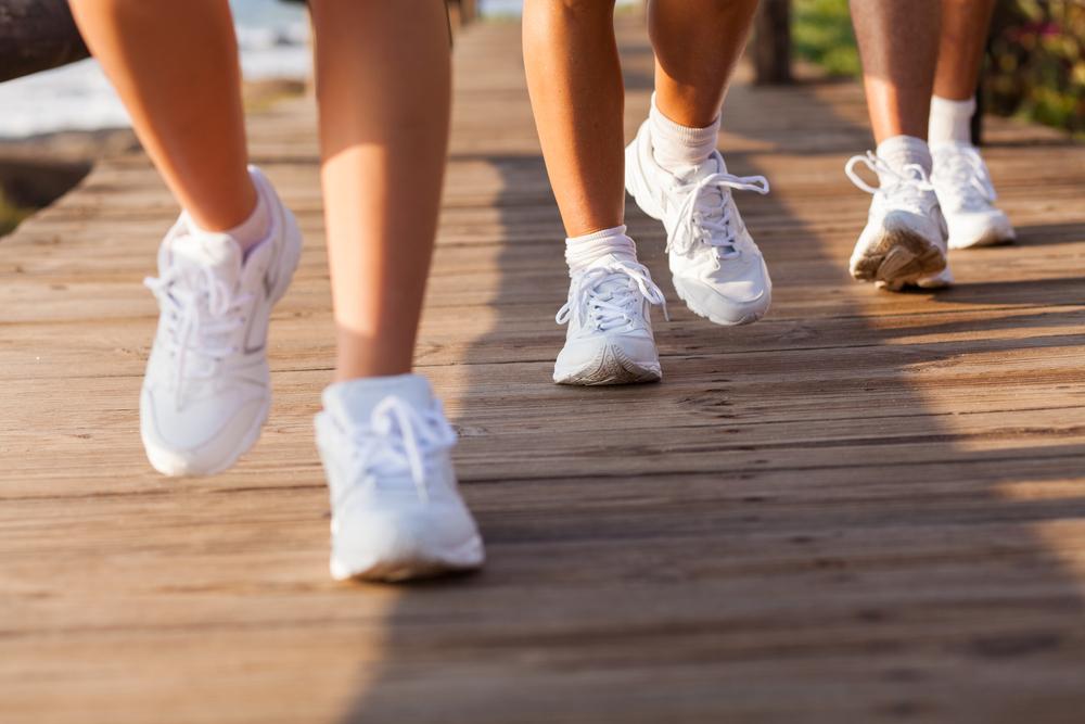l'importanza di appoggiare bene il piede nella camminata