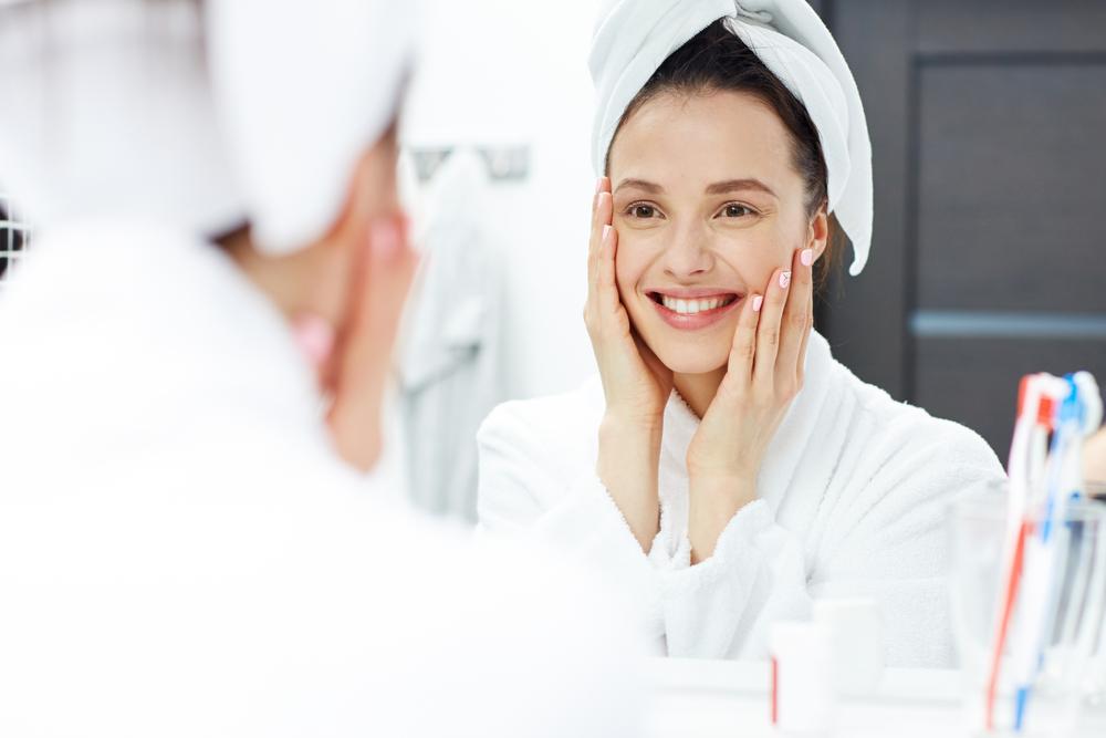 macchie sul viso: consigli del dermatologo e creme per per migliorare