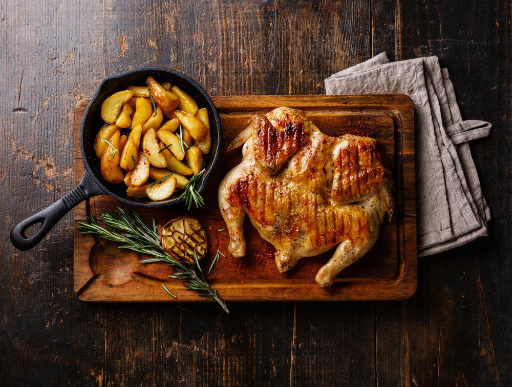 carni biologiche: pollo al forno con le patate