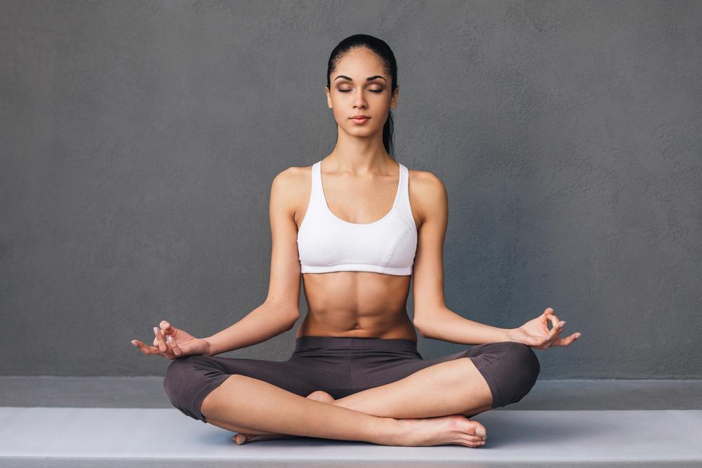 respirazione yoga, i benefici per una pancia piatta