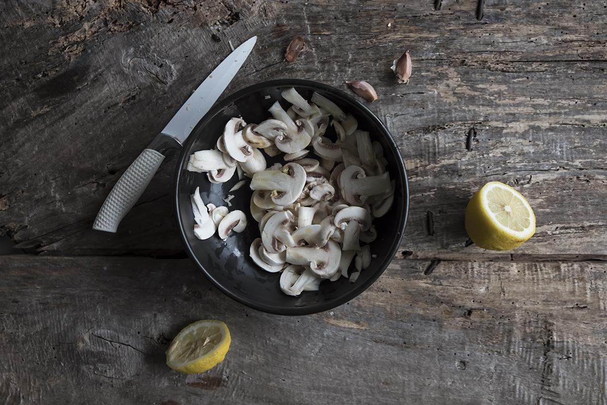 ingredienti insalata di funghi